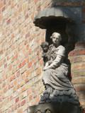 Zittende Maria met Kind - Ontvangersstraat 22