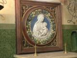 Maria met Kind medaillon - Sint-Jacobskerk