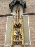 Pieter Bladelin in aanbidding voor Maria met Kind - Naaldenstraat 19