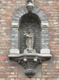 Staande Maria met Kind - Hoedenmakersstraat 19