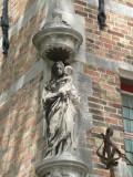Potterierei 74 - Staande Maria met Kind