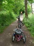 L'utilisation ultime pour une remorque de vélo : le transport de... vélo.