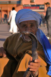 Snake charmer in Marrakesh - Encantador de serpientes en Marraqueix
