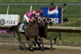 Delaware Handicap / Purse  $750,000 / 6 Horse field / 1 1/4 mile race