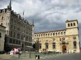 León. Plaza de San Marcelo. Casa Botines y Palacio de los Guzmanes