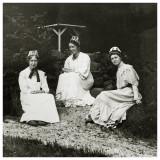 Thora, Sigfride og Dorthea