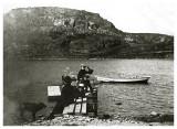 Ved  Hammerhyttens bådebro ca. 1908