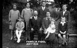 1924 Familia Fidel.jpg
