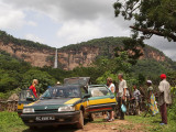 To the waterfall at Ditinn, Guinee