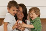 Damien et Antoine découvrent le merveilleux monde du iPhone...avec l'aide de Miriam