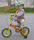 Antoine avec son nouveau vélo