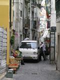 Lisbon-Alfama street vegies.JPG