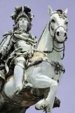 Comércio Square, D. José Statue