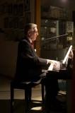 Gene playing piano 5D