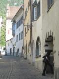 ducking into a courtyard off Martinsplatz