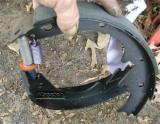 star wheel end goes toward rear shoe. NOTE! Left-hand threaded adjuster screw is for  RIGHT (passenger) side brake