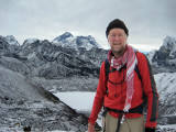 Climbing Renjo La with Gokyo and Everest behind