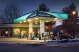 Corner Gas At Dawn 05844-9