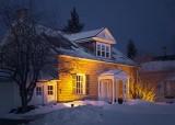 Golden Lit House 05840-3