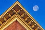 Moon Over Hotel Rideau DSCF03574