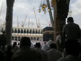 Crane perluasan masjid yg terus bekerja siang malam