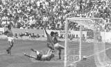 jair faz o 3o contra a itlia 1970.jpg