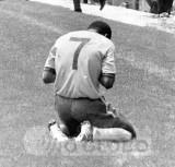 jair reza aopos o 3o gol contra a itlia.jpg