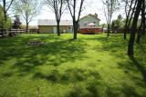122 backyard full web.jpg