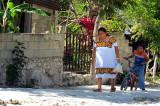 Dans les rues du village Maya
