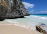 Tulum,  des rochers mangés par la mer