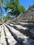 les marches du temple pyramide