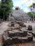 Le temple et la touriste rose