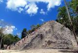 La pyramide du Nohoch mul , escalade osée