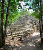 Un escalier menant à une plateforme, Cobà.JPG
