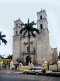 L'Église sur la place centrale de la ville