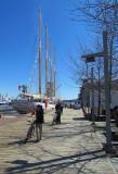 un quatre mats amarré au quai du vieux port