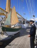 Un matelot à l'accueil