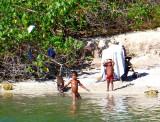 Baignade sur la plage