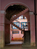 Cour intérieure rose