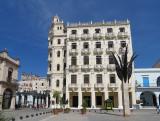 la vieille place et un de ses immeubles