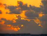 lumière derrière les nuages