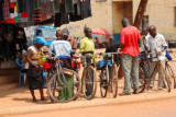4882 Locals in Kibale.jpg