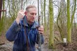 Leen Hordijk onderzoekt de bodem onder polder Zuurland, Voorne-Putten