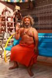 Ahmedabad temple priest 02.jpg