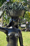 Bronze frog by Titi Escalante