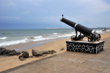 Cannon facing the sea, Fort District
