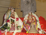 VedhiyarKon with Perumal Mariyadhai- Periyalwar Satumarai.JPG