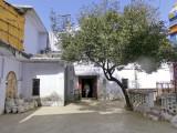 14 Namisnath temple approach.jpg