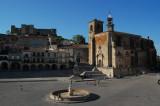 Plaza Major i Trujillo med Pizarro til hest