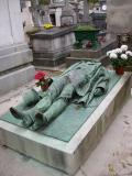 In division 92 the journalist Victor Noir is buried .